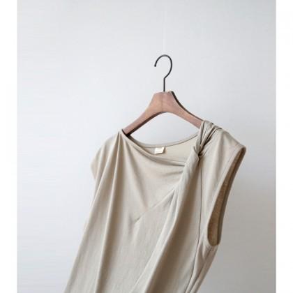로우 꼬임 나시티셔츠